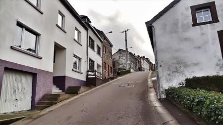 Cote de la Roche Tarmac wall Climb